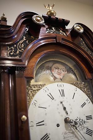 detalle reloj de abuelo