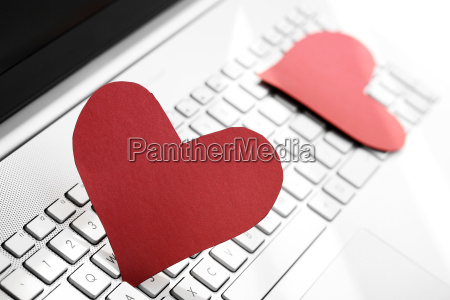 internet dating concept two paper
