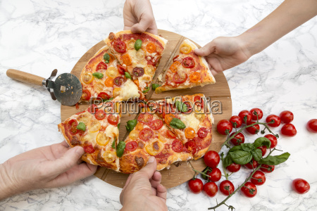 vegetarian pizza with mozzarella and tomatoes