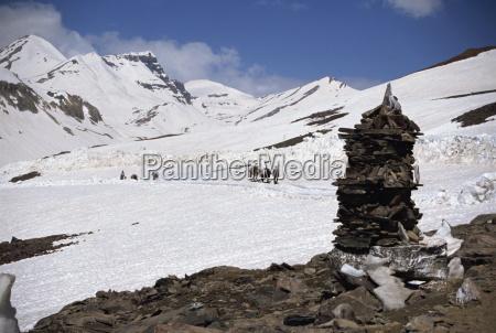 summit of the baralacha pass at