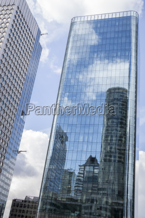 france paris la defence skyscraper mirrored