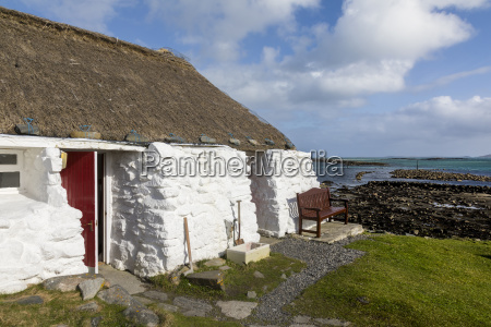 thatched cottage and hostel isle of