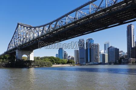 brisbane skyline and the story bridge