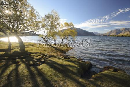 idyllic view of lake wanaka against